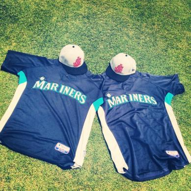 The Generals will were this Mariners jersey and USA Cap combo tonight.